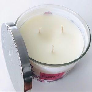 Bath & Body Works Accents - BBW Strawberry Pound Cake 3 wick candle